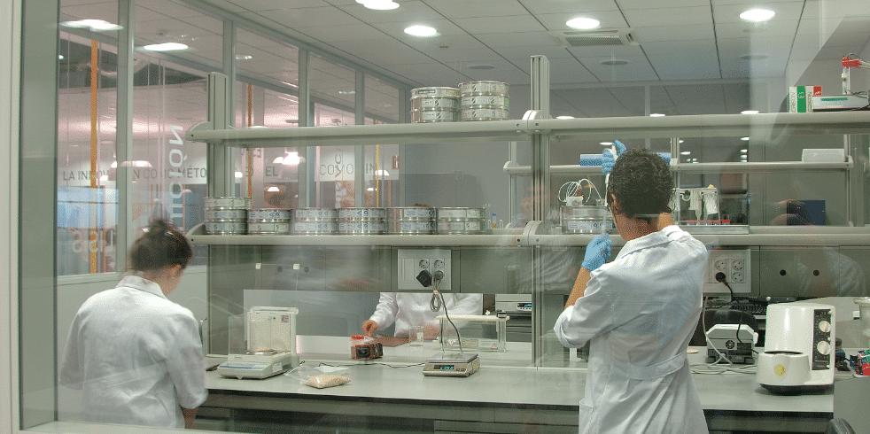 laboratorio empleadas Importaco